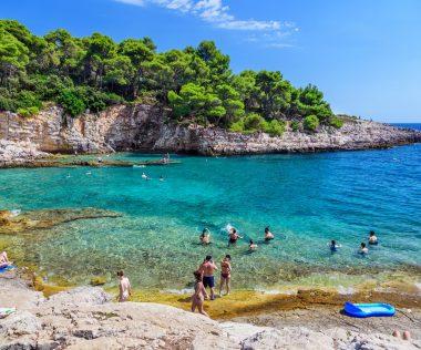 Titkos horvátországi strandok – tömeg nélkül (térképpel)
