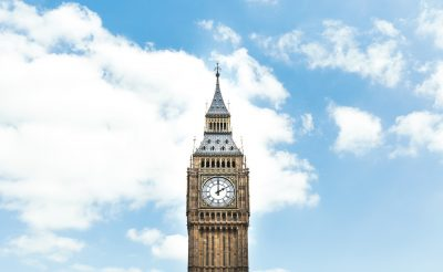 Halomban állnak a retúr repülőjegyek Londonba 7.800 Ft-ért!