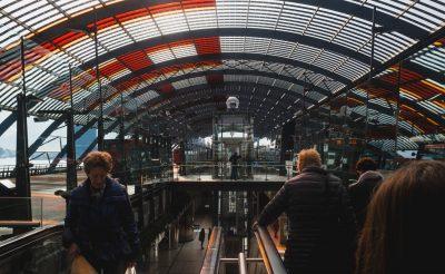 Az üzemanyag ellátás miatt késések és törlések az amszterdami repülőtéren
