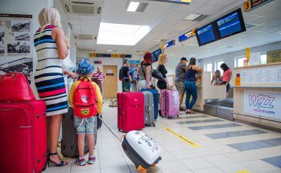 Feltettük a legkellemetlenebb kérdéseket a Debreceni repülőtérnek! Drága parkolás, kis terminál, kevés személyzet!