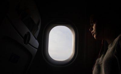 Rettegsz a repüléstől? Ez a program segít legyőzni a félelmet