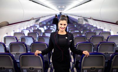 """""""Néha kicsit pszichológusnak kell lenni"""" – interjú a Wizz Air légiutas-kísérőjével"""