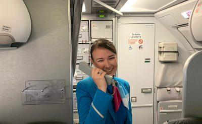 """""""Jó szelet, sztyuvikám!"""" – interjú egy Németországban élő légiutas-kísérővel"""