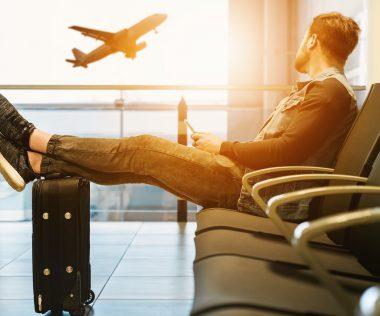 Így spórol egy Utazómajom egyetlen kártyával: szervezés, reptér, utazás