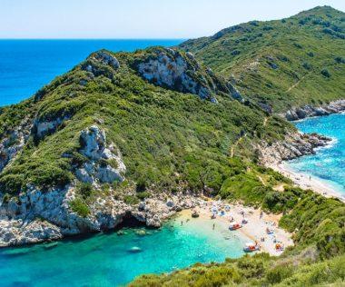 Egy hetes nyaralás Korfu legszebb részén: Paleokastricában: 57.600 Ft-ért!