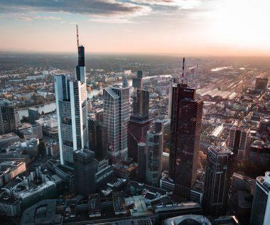 Utazzatok hárman szuper áron Frankfurtba! Retúr repjegy + 1 éj négycsillagos központi szállás személyenként 11.900 Ft-ért! Hétvégi időpont!