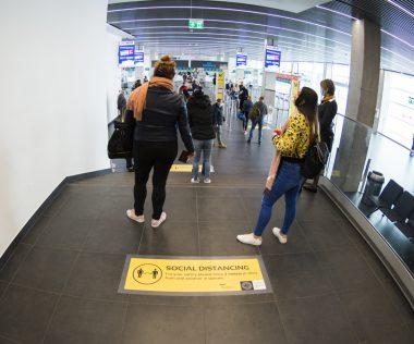 A  polgári légijármű tiltása ellenére még továbbra is indulnak és érkeznek gépek Budapestre