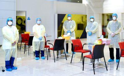 Az Emirates helyszíni gyors COVID-19 teszteket végez az utasain repülés előtt