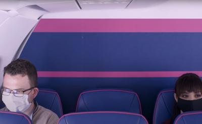 Repülés csak maszkban! Ezeket az intézkedéseket vezeti be a Wizz Air