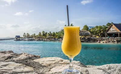Karibi-kaland: Egy hetes utazás Curacaora 233.100 Ft-ért! Napozz malacokkal!