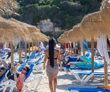 Retúr repülőjegy főszezonban Menorcára 7.080 Ft-ért!