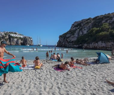 Retúr repülőjegy Menorcára főszezonban 7.080 Ft-ért!