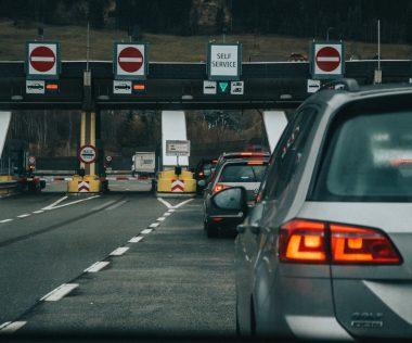 BREAKING: Hátradőlhetünk, februárig marad a határellenőrzés