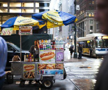Ezért kerül közel 100 millió forintba egy New York-i hot dog árus engedély
