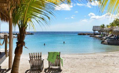 Napozz malacokkal Curacao-n! 9 napos utazás szállással és repülővel 265.850 Ft-ért!