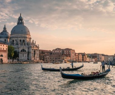 Romantikázz egyet a pároddal, rátok fér! 4 napos Velence 29.622 Ft-ért!