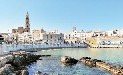 Olaszország fillérekért: módosítható retúr repülőjegy Bariba, Pugliába 10.200 Ft-ért!