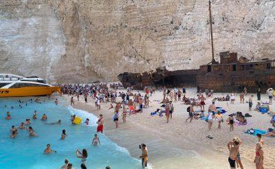 Zakynthos: Amikor a tömegturizmus és a korrupció találkozik egy gyönyörű szigeten