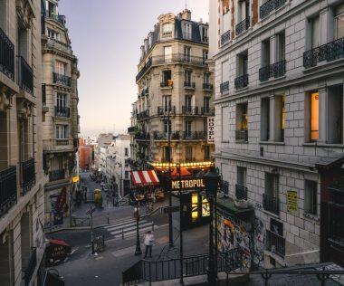 Jól látod: retúr repülőjegy Párizsba 9.900 Ft-ért!