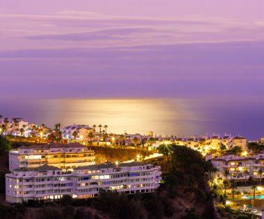 Egy hetes kirándulás a gyönyörű Marbellán 74.300 Ft-ért repülővel, medencés hotellel!