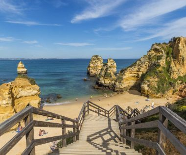 5 napos kirándulás Dél-Portugáliába 4 csillagos szállással, repülővel, autóbérléssel 38.200 Ft-ért!